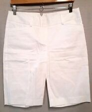 Fashion Bug womens size 8 White Stretch Walking Bermuda Shorts