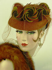 Cappello VINTAGE 1930s Germaine Montabert Tilt Topper, ruggine Pallido & Olive Green & Velo