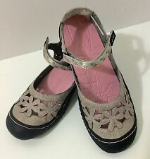 J-41 6 M New Orchid Flower Cut Out Gray Leather Mary Jane Flat Shoe