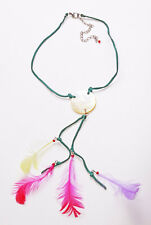GREEN SUEDE STRING ADJUSTABLE NECKLACE W SHELL DISC & FUN COLOUR FEATHERS (ZX44)