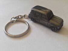 Renault 4 ref207 FULL CAR on a split-ring keyring