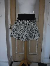 Divided Cotton 2ways summer top or mini flippy skirt animal print black x whiteS