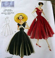 1950s VOGUE VINTAGE MODEL DRESS SEWING PATTERN 14-16-18-20 UC