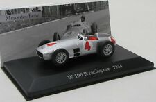 Mercedes Benz W196 R Racing Car ( 1954 ) No.4 / IXO 1:43