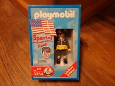 PLAYMOBIL--FIREMAN FIGURE--SPECIAL COMMEMORATIVE PACK (NEW) 3354
