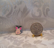 Walt Disney WINNIE THE POOH PIGLET HEAD TRADING Hat Lapel Pin Badge