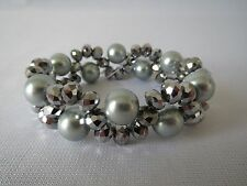 Stretchable Fashion Bracelet With Gray Crystal & Metallic BX8 Faux Pearl Beads.