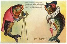 1er AVRIL. POISSONS HUMANISéS. DRESSED FISHES. FISH. APPAREIL PHOTO. OLD CAMERA