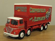 CORGI CLASSICS CHIPPERFIELDS CIRCUS FODEN S21 8 WHEEL BOX TRUCK MODEL 31902 1:50