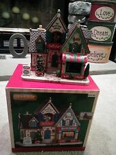 """Lemax 35506 """"The Music Box Shoppe"""" - for Christmas Village (lights up)"""