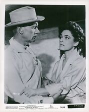 Van Johnson & Ruth Roman The Bottom of the Bottle Unsigned Glossy 8x10 Photo