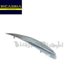 0066 - CRESTA PARAFANGO CROMATA VESPA 125 150 SPRINT GTR SUPER GT GL VELOCE