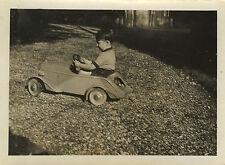 PHOTO ANCIENNE - VINTAGE SNAPSHOT - VOITURE À PÉDALES PROFIL - TOY OLD CAR
