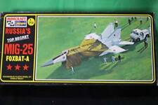Minicraft Hasegawa 1/72 Scale MIG-25 Model Kit Vintage Collectible Airplane