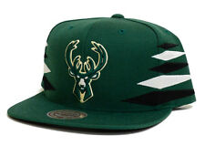 Milwaukee Bucks Mitchell & Ness Diamond Green Snapback Hat