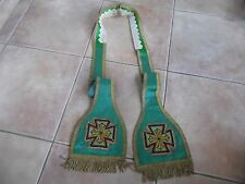 ETOLE ANCIENNE VERTE/CHASUBLE/BRODERIE AU PETIT POINT FRANGE FIL D OR METALLIQUE