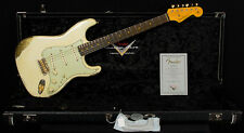 Fender Custom Shop Wildwood 10 '61 Strat Heavy Relic White over Gold Sparkle