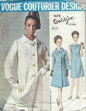 1967 VINTAGE VOGUE cucito Modello B34 CAPPOTTO ABITO & (1340r) di Irene GALITZINE