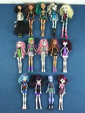Lot 14 Doll Poupée Monster High Lagoona Blue Nefera de nile Cleo Ghoulia Helps