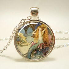 Vintage Cabochon Mermaid Silver Plated Glass Chain Pendant Necklace LS#78