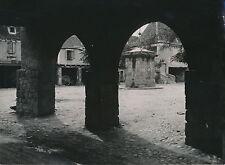 BEAULIEU c. 1950 - La Place du Village  Corrèze - DIV 5135