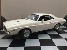 Highway 61 1970 Dodge Challenger , Ultra Rare , 1/18 Scale