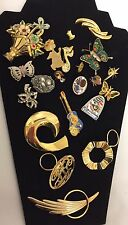 Mixed Lot Vtg Jewelry Lapel Pins Brooch Scarf Ties Hard Rock Cafe Enameled