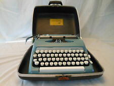 typewriter Smith Corona Sterling 5ax207840 1963 ? works nice scm