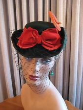 SMART 40'S GREEN FELT TILT HAT W/BURNT ORANGE VELVET BOW, SIDE FEATHER & VEIL