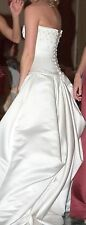 Maggie Sottero wedding dress, size 8, beautiful detail