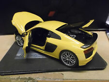 AUDI R8 V10 2015 MKII gelb yellow Supersportwagen I-Scale Highend NEU NEW 1:18