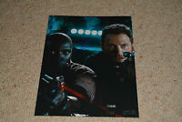 OMAR SY  signed  Autogramm 20x25 cm In Person JURASSIC WORLD
