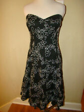 WHITE HOUSE BLACK MARKET BLACK  FLORAL EMBRODIERED BUILT IN BRA ACCENT DRESS 2