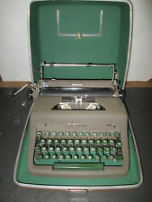 Royal Quiet Deluxe Typewriter w Carry Case Vintage Retro Mid Century