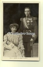 r0556 - King Alfonso XIII of Spain with the Queen & Baby - postcard