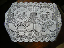 Beautiful Heritage Lace Doily Table Runner White Bears 20 x 13 Inch NICE
