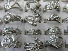 All' ingrosso & job lots 36 anelli in una casella Diamante CRYSTAL SILVER PLATED 12 - 19