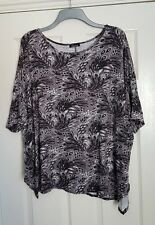 Lovely YOURS CLOTHING Long Patterned Tunic Top - Size 20/22 - Great Condition