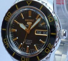SEIKO 5 SPORTS NEW MENS AUTOMATIC SUBMARINER 100m WATCH SNZH57J1. MADE IN JAPAN