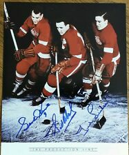 HOWE-LINDSAY-ABEL PRODUCTION LINE AUTOGRAPHED 8 X 10 PHOTO W/COA