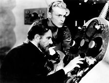 Buster Crabbe and Frank Shannon UNSIGNED photo - C1001 - Flash Gordon