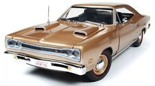 1969 DODGE CORONET R/T HEMI 426 1/18 GOLD 50th BY AUTO WORLD AMM1024