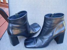 SAM&LIBBY BLACK LEATHER FASHION HIGH HEELS ANKLE Boots Size 8M  EUC