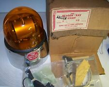 Federal Signal Beacon Ray 17  Vintage Emergency Warning Light UNUSED!!