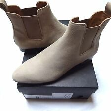 NEW BANANA REPUBLIC EVEREST SAND SUEDE ANKLE ELASTIC BOOTIES BOOTS 6