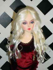 "Monique Gold Wig ""Paige"" Size 6/7 in White Blonde"