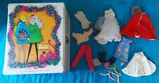 1968 MATTEL THE WORLD OF BARBIE DOLL TRUNK WITH ASSORTED CLOTHES & ACCESSORIES