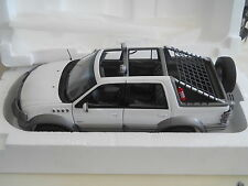 AutoArt Millennium Ford Himalaya Expedition1:18 Diecast