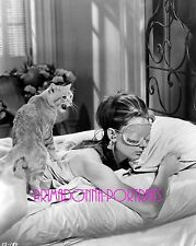 "AUDREY HEPBURN 8X10 Lab Photo B&W 1961 ""BREAKFAST AT TIFFANY'S"" Cat & Bed Mask"
