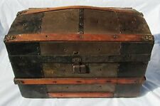 ANTIQUE DOLL TRUNK WITH DOLLS AND CLOTHES INSIDE
